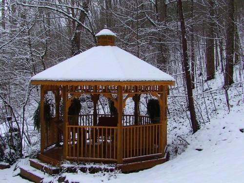 gazebo in the snow