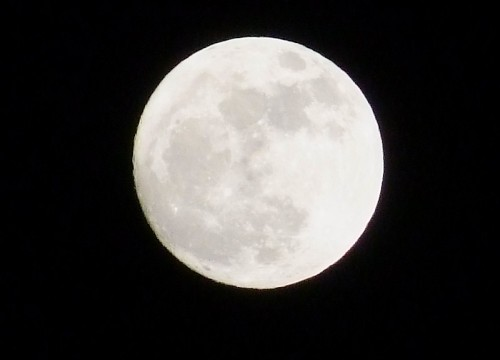 super perigee moon