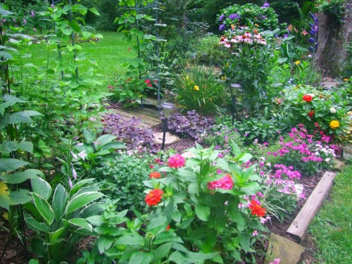 center flower bed near patio